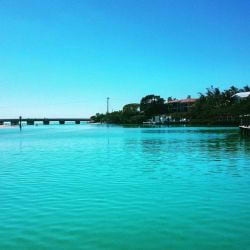 A picture of Blind Pass on Captiva Island.