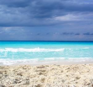 White sand beach + blue water in Binini perfect combination.