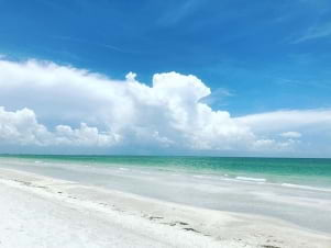 A beautiful sunny day on Captive Island