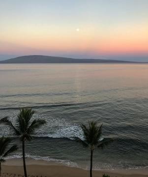 Sunrise moon set on Lanai Hawaii